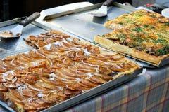 Gâteau de poire et gâteau savoureux Photos libres de droits