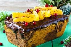 Gâteau de potiron avec du chocolat et des oranges photographie stock