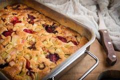 Gâteau de rhubarbe du four photo libre de droits