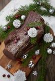 Gâteau de rondin de Noël de chocolat de Noël photographie stock