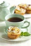 Gâteau de roses d'Apple Photo stock
