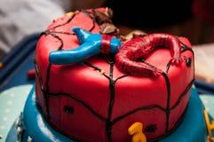 Gâteau de Spiderman photos stock