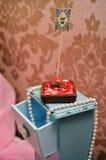 Gâteau doux de fraise sur le fond Image stock