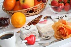 Gâteau du jour de Valentine. Images stock