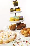 Gâteau en abondance images libres de droits