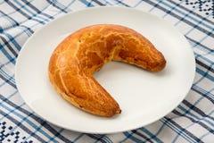 Gâteau en croissant de forme de pavot hongrois de Noël Image libre de droits