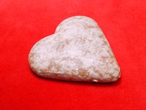 Gâteau en forme de coeur de pain d'épice image libre de droits