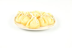 Gâteau enveloppé de marteler-riz de poche de tofu sur le plat Photographie stock
