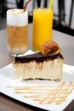Gâteau et boisson Image libre de droits