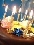 Gâteau et bougies photos libres de droits