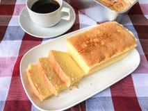 Gâteau et café de beurre Photo libre de droits