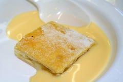 Gâteau et crème Image stock