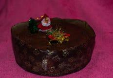 Gâteau et décorations de Noël Photos stock