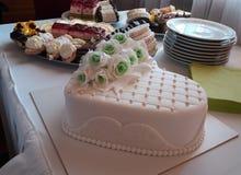 Gâteau et desserts de mariage Photo libre de droits