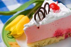 Gâteau et fleur image stock