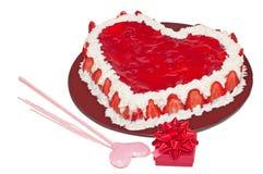 Gâteau et présent d'amour Photo libre de droits