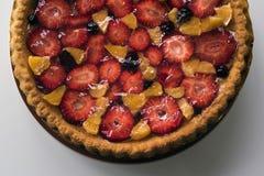 Gâteau fait maison avec les fruits et la gelée Photographie stock