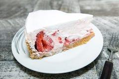 Gâteau fait maison de fraise image libre de droits