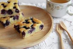 Gâteau fait maison de myrtille Photo stock