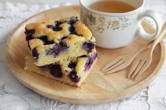 Gâteau fait maison de myrtille Photographie stock
