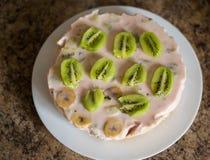 Gâteau fait maison de yaourt photo stock