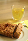 Gâteau fait maison verticalement Photo libre de droits