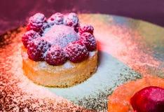 Gâteau frais avec des baies Image stock