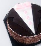 Gâteau gâteaux de chocolat sur le fond Image libre de droits
