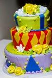 Gâteau génial et d'amusement de mariage Photos stock