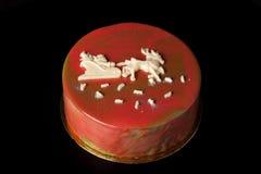 Gâteau lumineux fait maison de mousse de nouvelle année avec le lustre et le choco de miroir Photo libre de droits