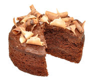 Gâteau mousseline de chocolat d'isolement sur le blanc Image stock