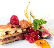 Gâteau mousseline de chocolat et de pistache Photographie stock libre de droits