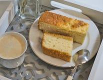 Gâteau mousseline orange photos stock