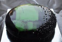 Gâteau noir Photographie stock libre de droits