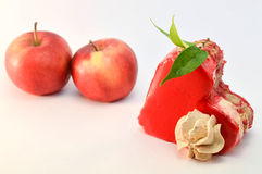 Gâteau ou pommes Images libres de droits