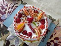 Gâteau pour des frères images stock