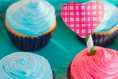 Gâteau pour le jour du ` s de Valentine Photos stock