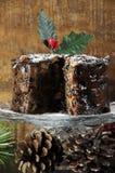 Gâteau riche épicé foncé de fruit de Noël Photos stock