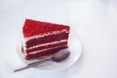 Gâteau rouge de velours images libres de droits