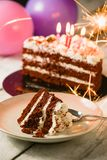 Gâteau rouge de velours d'amour Photo stock