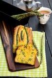 Gâteau salé avec l'asperge photo libre de droits