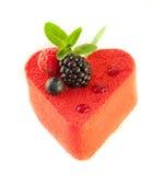 Gâteau sous forme de coeur   Photo stock