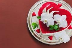 Gâteau sous forme de coeur Photo libre de droits