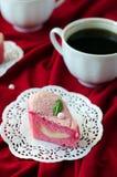Gâteau sous forme de coeur pour la Saint-Valentin de St Images libres de droits