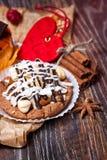 Gâteaux au café avec du chocolat, des épices et des graines de café, fin  Photographie stock