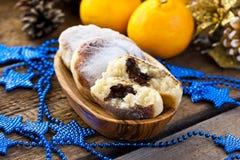 Gâteaux au fromage avec du riz, le chocolat et la mandarine photos libres de droits