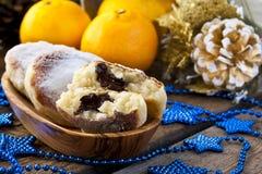 Gâteaux au fromage avec du riz, le chocolat et la mandarine images stock