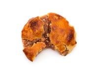 Gâteaux caoutchouteux doux ou le chickee de vue supérieure les mini durcit avec une morsure sur le blanc photographie stock
