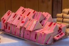 Gâteaux colorés au marché Photographie stock