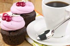 Gâteaux colorés de cuvette Images libres de droits